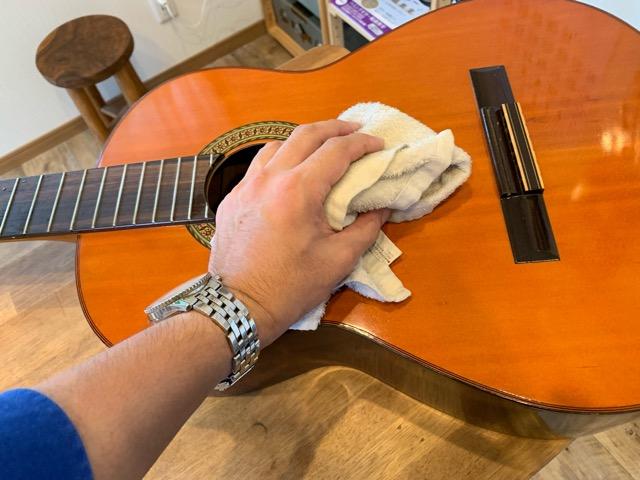 ギター水拭き